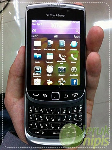blackberry torch white uk release date. Blackberry+torch+2+9810