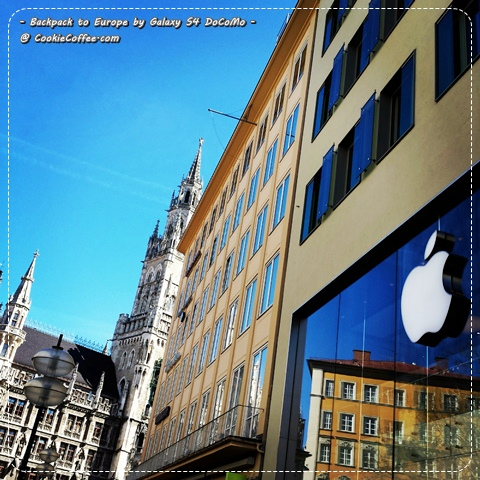 germany-munich-backpack-apple-store-marienplatz-frauen-kirche-iphone-6-air