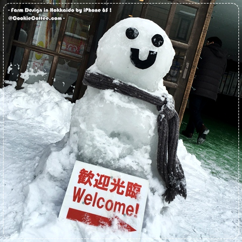 farm-designs-franchise-hokkaido-otaru-canal-snowman-welcome-temperature-minus-dress