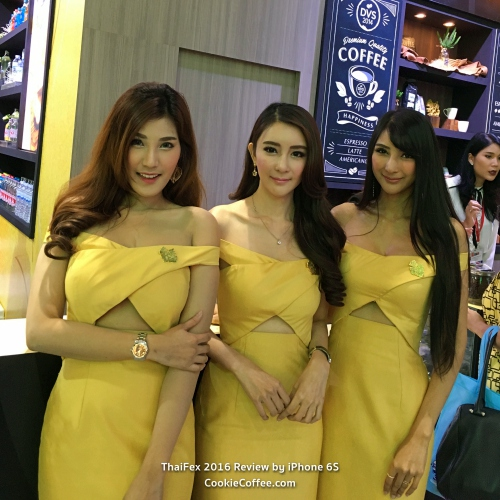 thai-fex-2016-singha-best-booth-review-sexy-pr-pretty-girl-gold-dress-beer-iphone-6s