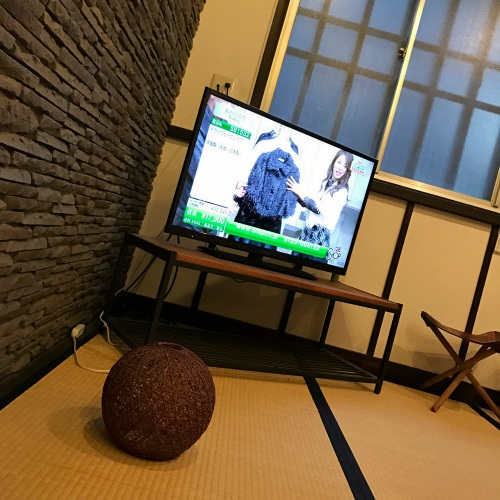 1-3rd-one-third-serviced-apartment-tokyo-review-akiba-japan-tea-house-ninja-yashiki-iphone-7-plus-tv