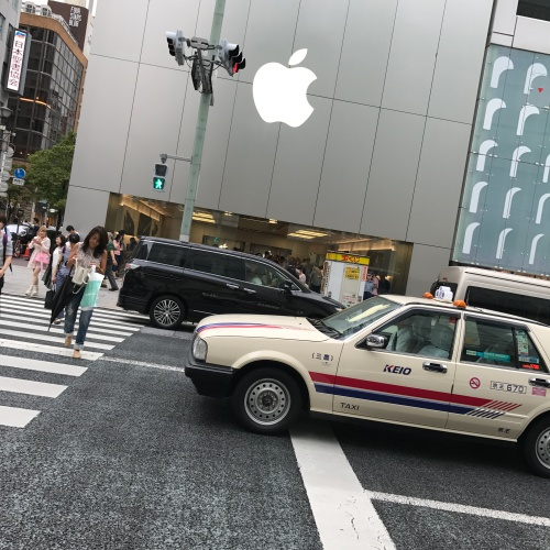 iphone-7-plus-real-review-1st-best-blogger-thai-japan-apple-store-ginza-dual-camera-taxi-zebra-cross