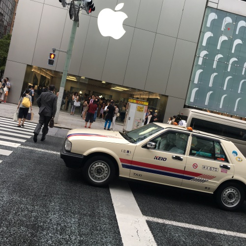 iphone-7-plus-real-review-1st-best-blogger-thai-japan-apple-store-ginza-dual-camera-taxi-zebra-crossing