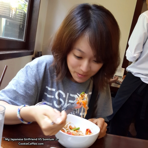 mayumi-japanese-girlfriend-esprit-thai-food-somtum-review-sendai-cookie