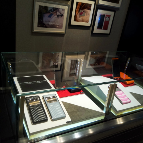 vertu-boutique-store-thailand-review-siam-paragon-gaysorn-aster-new-signature-touch
