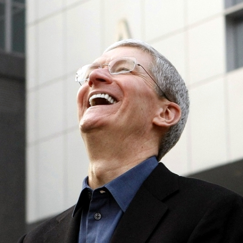 tim-cook-to-stockholders-burst-out-laugh-iphone-10-years-anniversary-8s-7s-plus