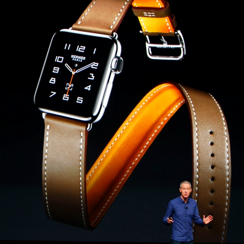 http://www.cookiecoffee.com/wp-content/uploads/2017/02/apple-watch-3-battery-wireless-charging-band-patent-review-hermes-cuff.jpg