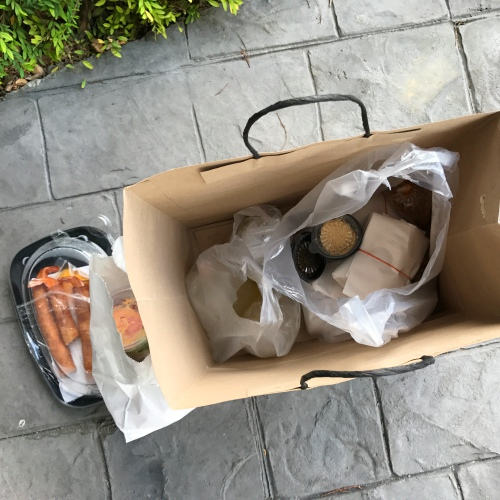 kim-bundit-chicken-rice-set-free-ubereats-bangkok-review-food-delivery-springroll