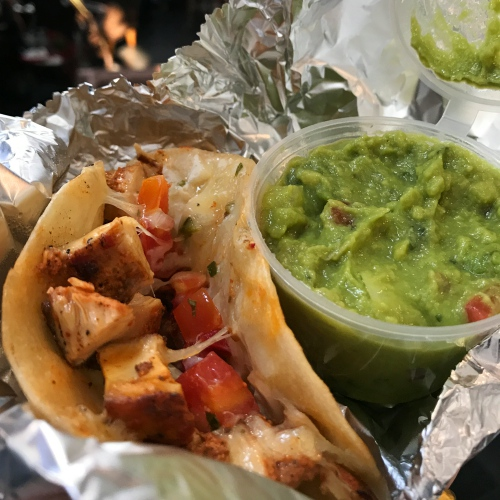 sunrise-tacos-review-free-mexican-food-delivery-ubereats-bangkok-trump-wall-menu-guacamole-tortilla