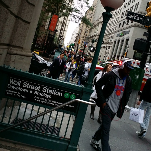 new-york-subway-wall-street-station-usa-black-rapper-shopping-business-cbd-911
