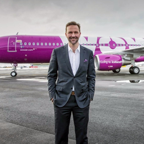 wow-air-low-cost-price-wars-pay-you-free-to-fly-ceo-iceland-skuli-mogensen-aurora
