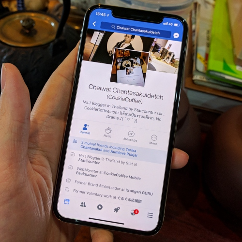iphone-x-thai-review-facebook-notch-app-blogger-vs-iphone-8-plus