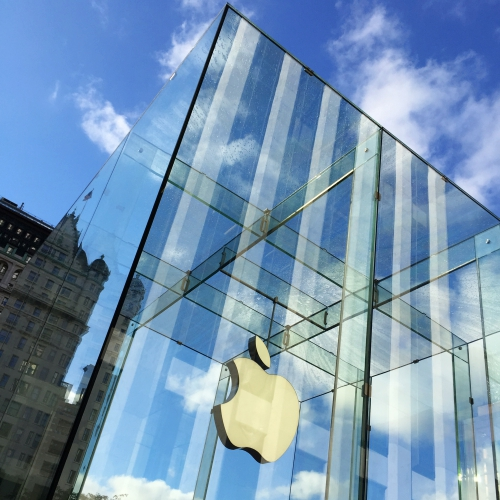 apple-store-retail-usa-new-york-glass-review-logo-blue-sky-thai-iphone-xs-max-xr-how-to-buy