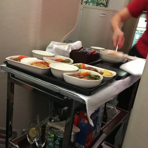 cathay-pacific-business-class-review-backpacker-5-stars-meal-choose-menu-airhostess-drink