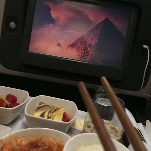 cathay-pacific-business-class-seat-review-hk-korea-flatbed-vs-regional-atlantis-james-cameron-rising