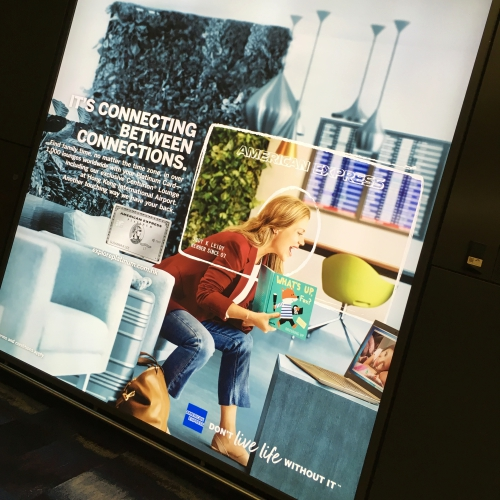 hk-hong-kong-airport-advert-banner-art-amex-american-express-platinum-credit-card