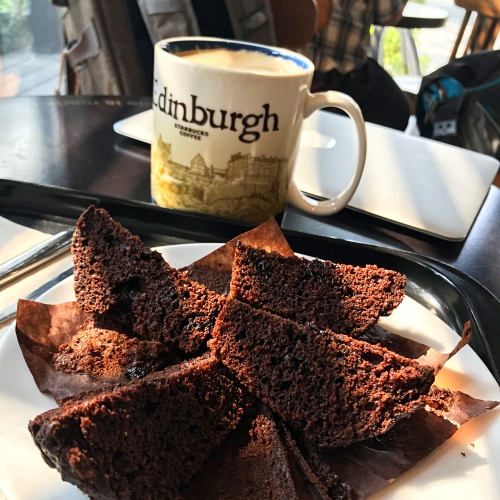 starbucks-uk-scotland-mug-edinburgh-macbook-chocolate-muffin-morning-office