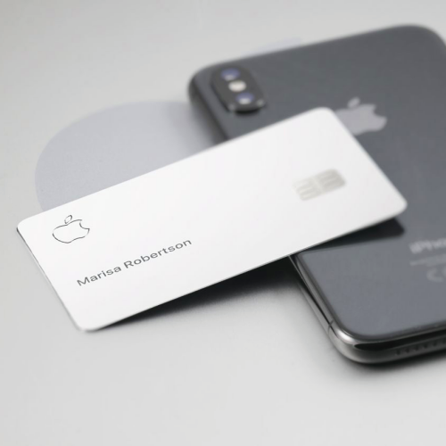 marissa-robertson-who-is-apple-credit-card-review-point-apply-iphone-xi-11-2020-digital-disrupt