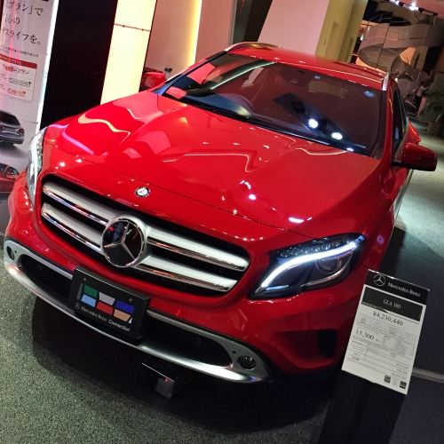mercedes-benz-connection-japan-tokyo-review-cafe-cheapest-price-gla-suv-vs-thai