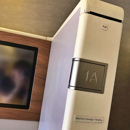 tg-thai-airways-first-class-review-747-tokyo-japan-blogger-sponsor-seat-best-1a-fuji-view